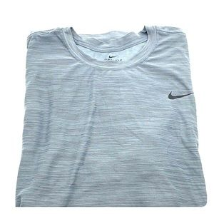 NIKE BREATHE DRI FIT ATHLETIC T SHIRT 4XLT GRAY